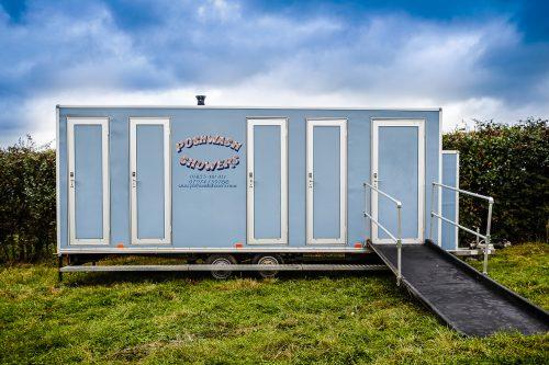 Accessible shower unit